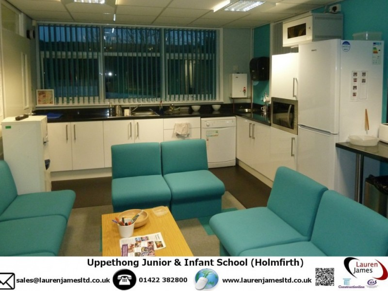 Upperthong J & I School